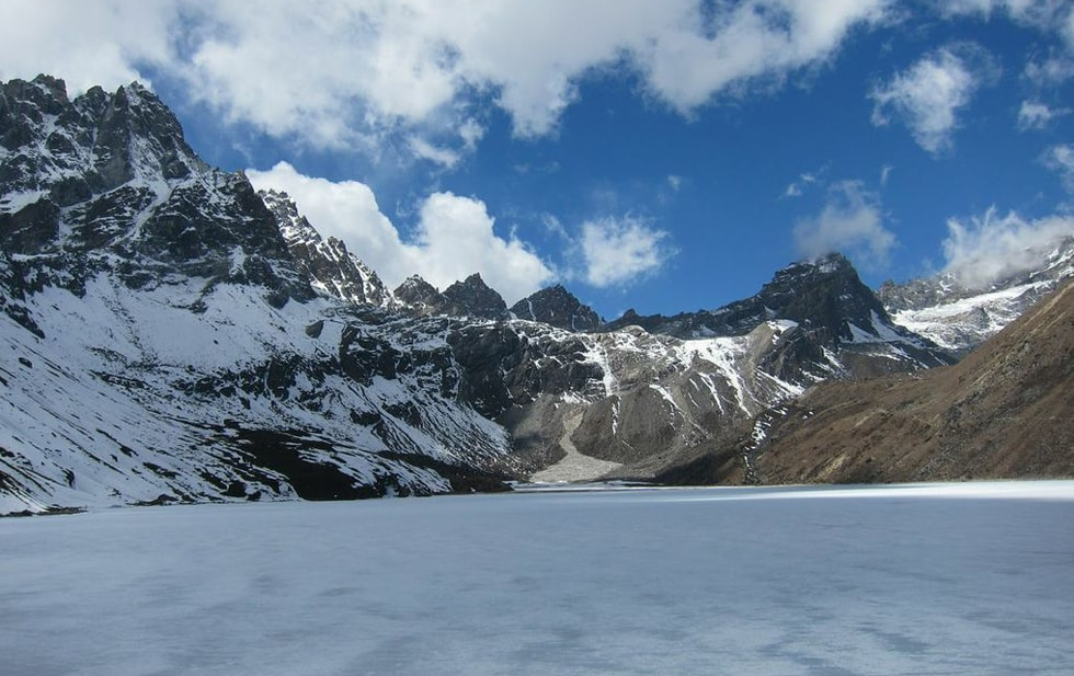 Everest Gokyo Chola Trek